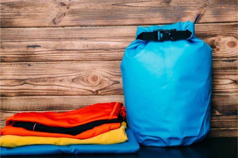 How to close a dry bag: Keeping everything dry